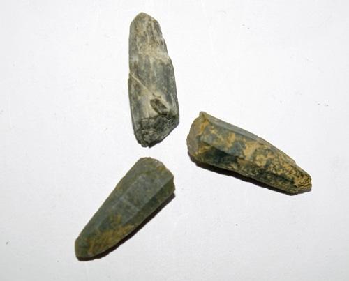 Prase with Actinolite