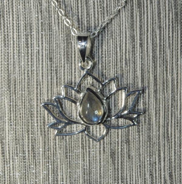 Labradorite Silver Lotus Flower Pendant